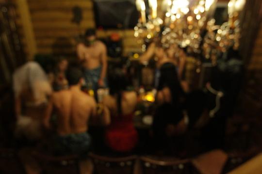 svinger-klubi-chelyabinska-porno-trah-dvumya-ogromnimi-chernimi